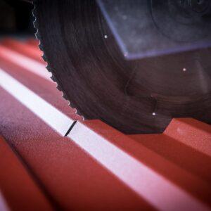 Zuschnitt auf Maß für 80er-Kernstärke Dach